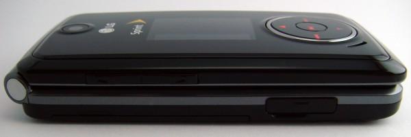 LG Muziq (LX-570) - Left