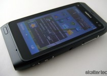 Nokia N8: Front
