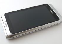 Nokia E7 - Front