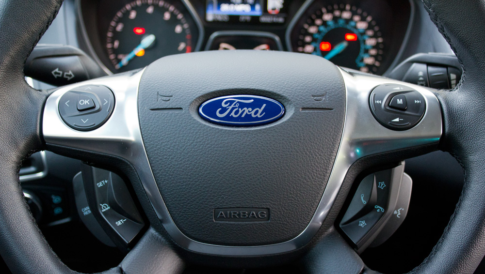 Ford Focus 2012: SYNC With MyFord Touch (Review)   Skatter